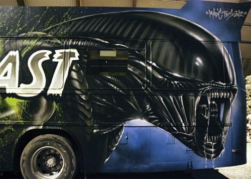 3_Gorgeous Aliens Graffiti Art Party Bus