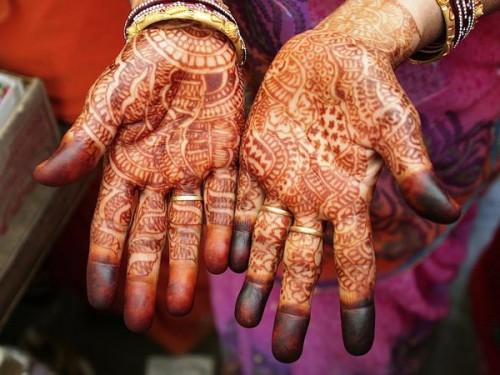 8_Henna Hands