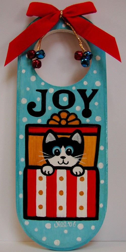 12_Joy Door Hanger