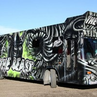 1_Gorgeous Aliens Graffiti Art Party Bus