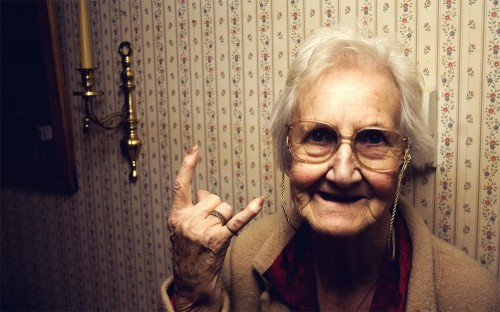 Funny Old Women Wallpaper